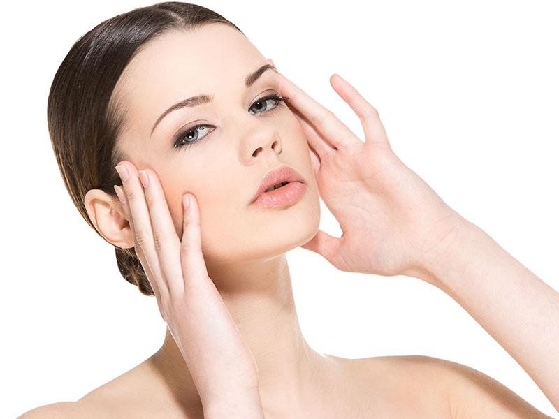 Protocolos combinados para estimular a produção de colágeno e combater a flacidez facial e corporal.